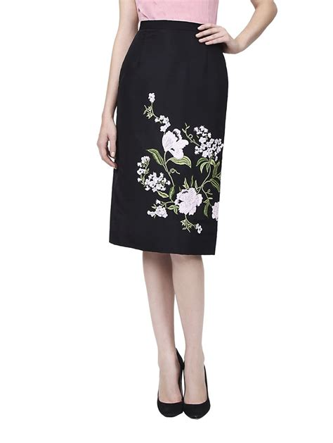 oscar de la renta embroidered pencil skirt in black lyst