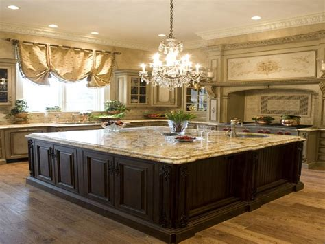 Oval Kitchen Island by Kitchens With Islands Classic Kitchen Island Chandelier