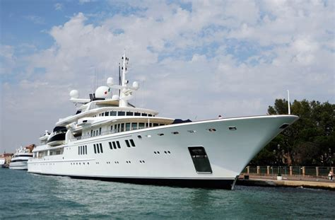 yacht tatoosh paul allen s firm working with caymans amid reports yacht