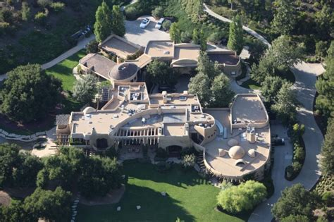 30 insane celeb beach photos 30 most expensive celebrity homes will blow your mind