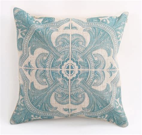 Best For Throw Pillows by 40 Of The Best Throw Pillows To Buy In 2016