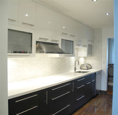 Modern 2 colours kitchen