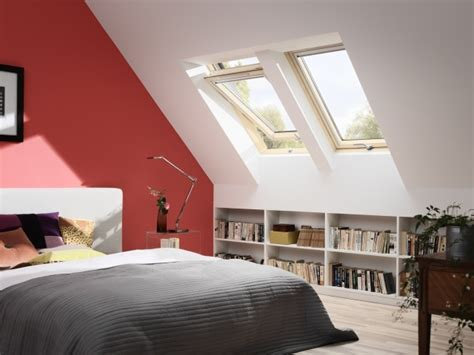 zimmer mit dachschräge einrichten schlafzimmer dachschr 228 ge streichen ideen ziegelrot wei 223