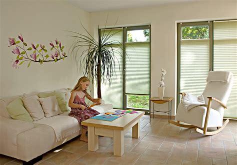 Plissee Wohnzimmer by Sichtschutz Im Wohnzimmer Moderne Plissees Gardinen Und