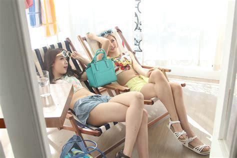 group model feet kpop girl s day minah hyeri legs musicians singers models