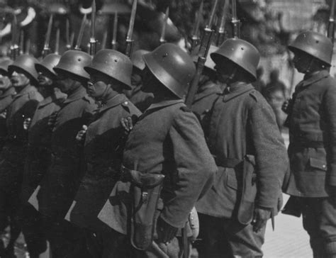 the ottoman empire in ww1 visorless steel helmets of the central powers in world war