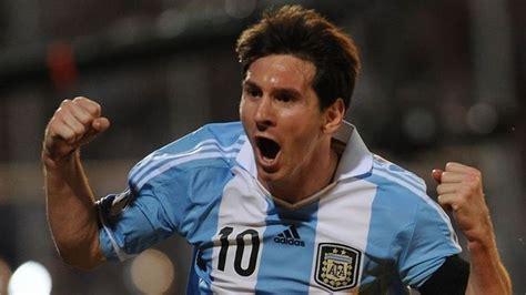 messi a biography by leonardo faccio messi s argentina defeats alexis chile 1 2 fc barcelona