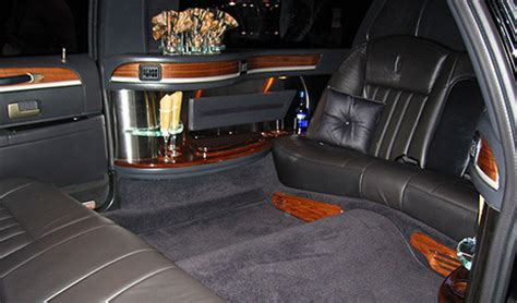 Small Limousine by 6 Passenger Stretch Limo Vegas Vip