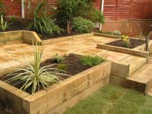 idea lanscaping front garden design with sleepers