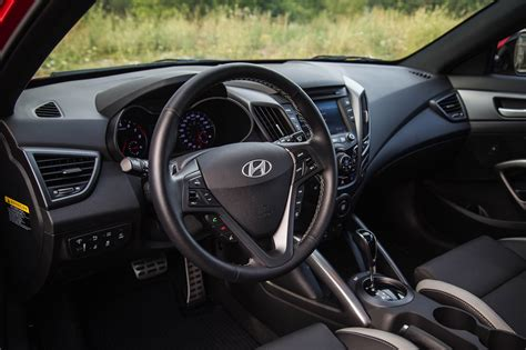 hyundai veloster turbo interior review 2016 hyundai veloster turbo canadian auto review