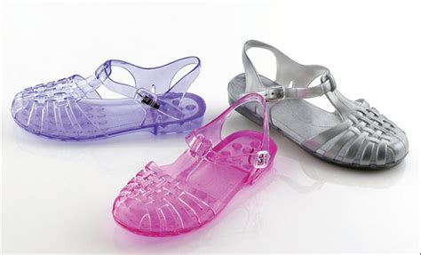 jelly sandals 90s reductress 187 5 jelly sandals that prove you miss the 90s