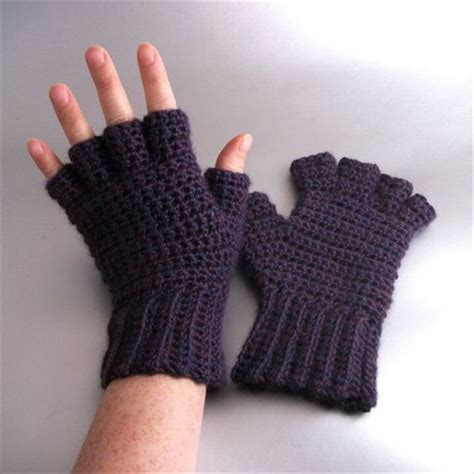 how to knit gloves with fingers for beginners 20 easy crochet fingerless gloves pattern diy to make