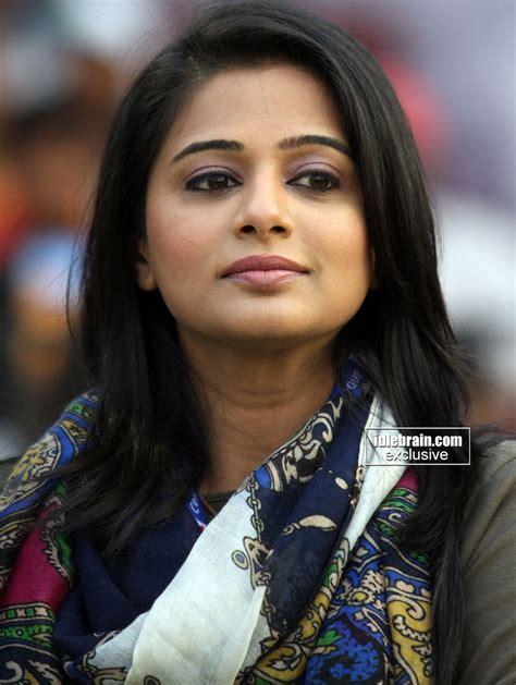priyamani hd live wallpaper priyamani photo gallery telugu cinema actress