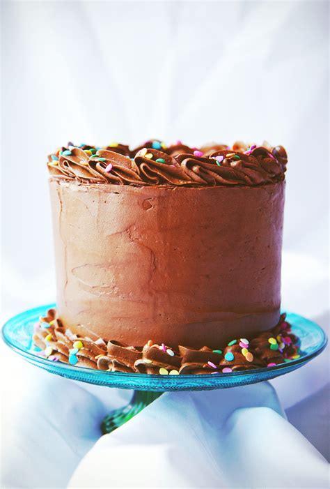 how to decorate a cake with sprinkles cake decorating how to decorate chocolate cake with sprinkles
