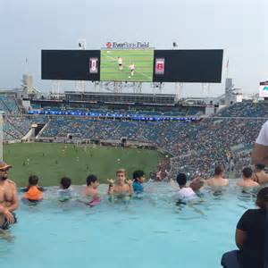 Jaguars Swimming Pool News T 233 L 233 Foot Insolite Les Piscines Font Leur