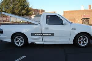 1999 ford f 150 lightning standard cab 2 door 5 4l