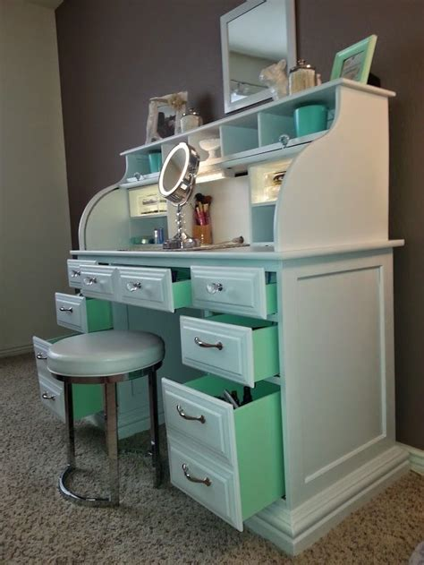 Handmade Makeup Vanity - 25 best ideas about painted makeup vanity on