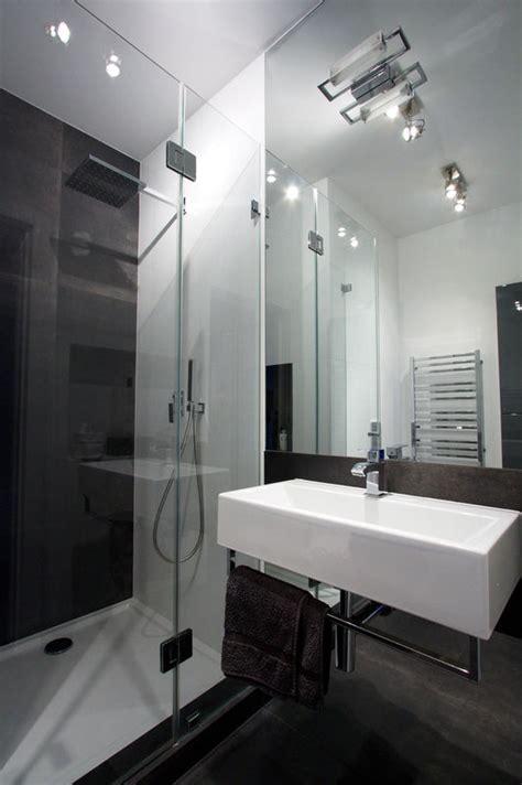 Small Bathroom Layouts With Shower Only - biało grafitowa nowoczesna łazienka styl nowoczesny aranżacja i wystr 243 j wnętrz dom z pomysłem