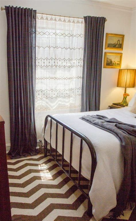 schlafzimmer vorhänge sandgrau wandfarbe