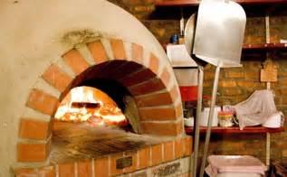 pizzaofen selber bauen garten pizzaofen im garten selber bauen bauanleitung