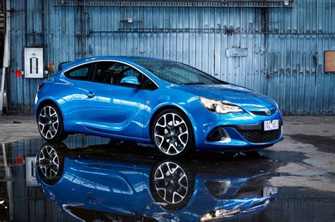 opel astra opc 2015 holden astra and cascada join 2015 line up forcegt com