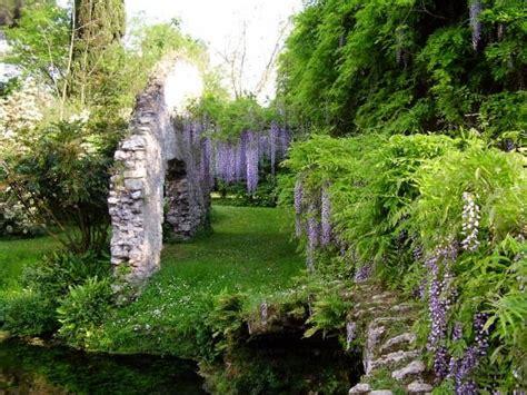 i giardini di ninfa idee weekend e vacanze i giardini di ninfa