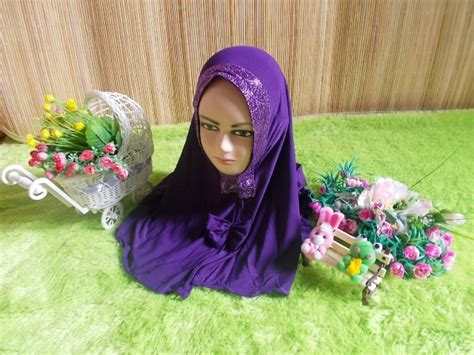 Paket Ungu Gliter by Bayi Jilbab Anak Batita Syiria Glitter Jodha Ala Oki
