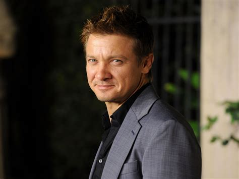 www david jeremy renner is a dad his ex girlfriend gave birth to a