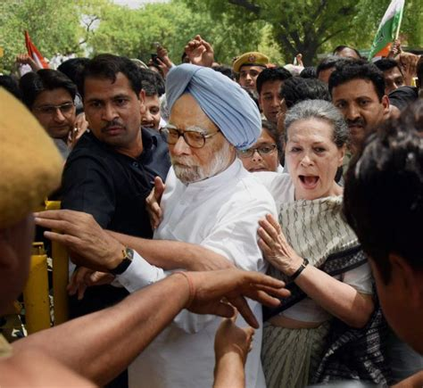 sonia gandhi biography rani singh congress must look beyond the gandhis rediff com india news
