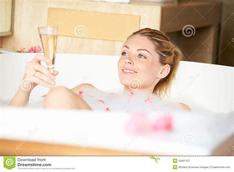women bathtub woman relaxing in bubble bath royalty free stock photography image 32061107