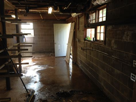 water getting in basement a few signs you may a foundation water problem