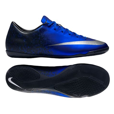 cr7 football shoes diamonds are known for their texture and sharp