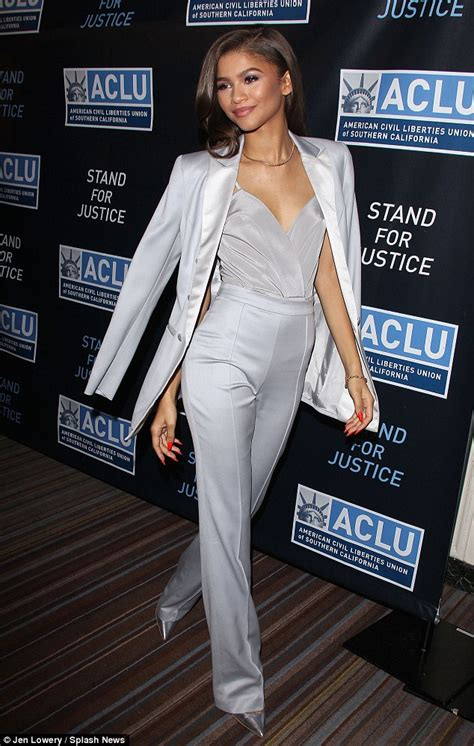 Zendaya looks the picture of elegance at formal dinner in LA   Daily Mail Online