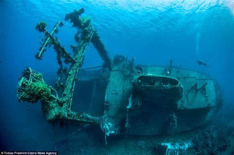 ibay maldives boats tobias friedrich photographs shipwrecks from around the