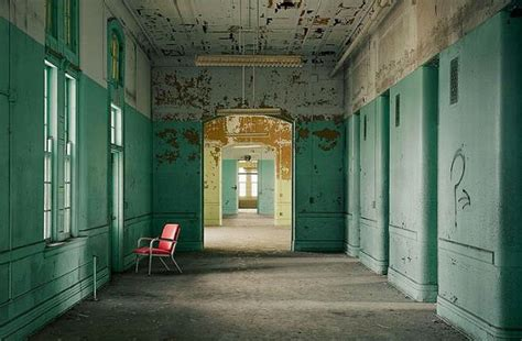 imagenes de hospitales mentales fogonazos quot asylum quot el libro de los psiqui 225 tricos abandonados