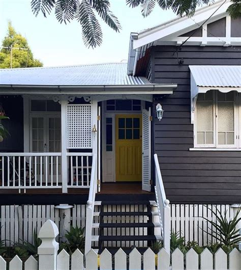 dark screens for house windows 74 best queenslander houses images on pinterest exterior homes house facades and