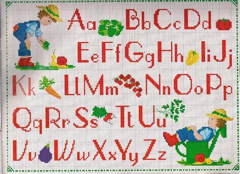 punto croce lettere per bambini alfabeto bambino giardiniere magiedifilo it punto croce
