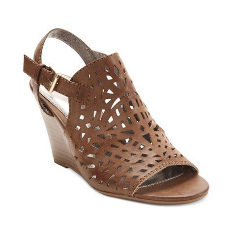 Sendal Wedges Lasser lyst report sansa laser cut wedge sandals in brown