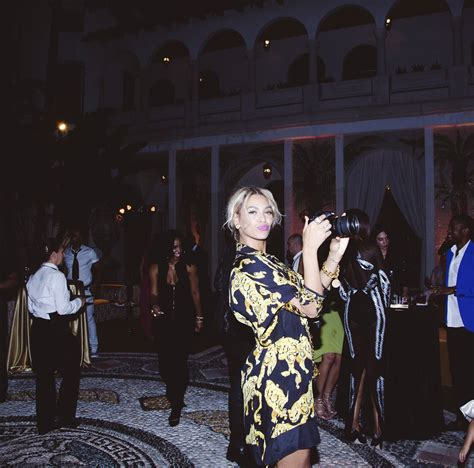 beyonce new years eve 2014 tumblr mzeyi2xzs61rqgjz2o1 1280 rolling out