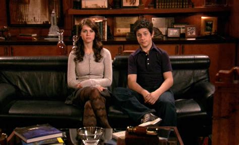 how i met your mother couch penny and luke mosby how i met your mother wiki