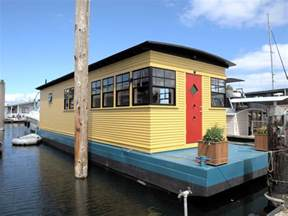 Apartment Rental Agents Seattle Nick Of Time Houseboat 259 000 Sold