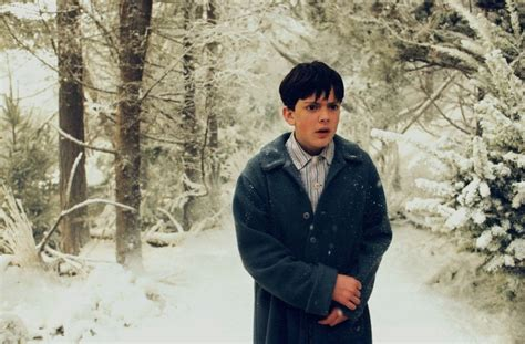 skandar keynes as edmund pevensie the chronicles of