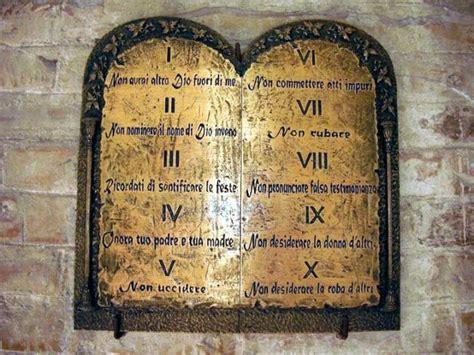 tavole comandamenti decimo comandamento non desiderare la roba d altri la