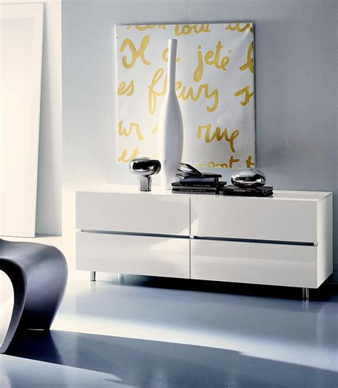 Modern Style Bed Chic Italian Bedroom Furniture Selections