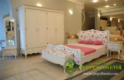 Bedside Kayu Motif Rahwana Meja Kamar Tempat Tidur Jati Set Tempat Tidur Minimalis Shabby Chic Jati Pribumi