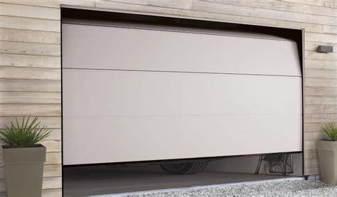 comment fonctionne une porte de garage sectionnelle