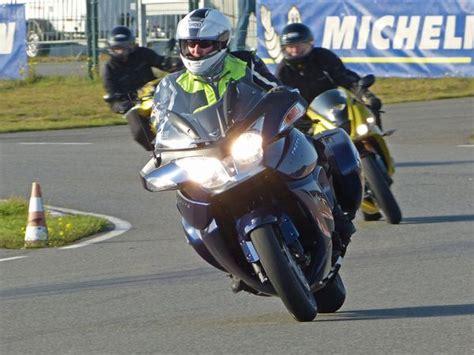 Fahrsicherheitstraining Motorrad L Neburg by Biker Treff Im Fahrsicherheitszentrum Zum Saisonauftakt