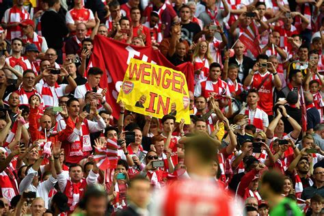 arsenal fans arsenal news let s stop the abuse and back arsene wenger