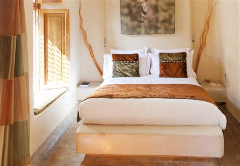 inspired bedrooms 33 striking africa inspired home decor ideas digsdigs