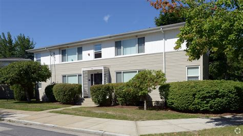one bedroom apartments in ri sutterfield apartment homes rentals providence ri apartments
